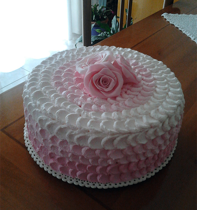 Tutorial: Come Decorare una Torta con la Panna