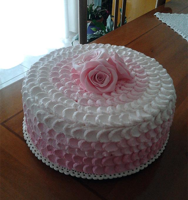Tutorial Come Decorare Una Torta Con La Panna Happy Cakes To You Ricette Di Dolci Decorazioni Torte E Cake Design
