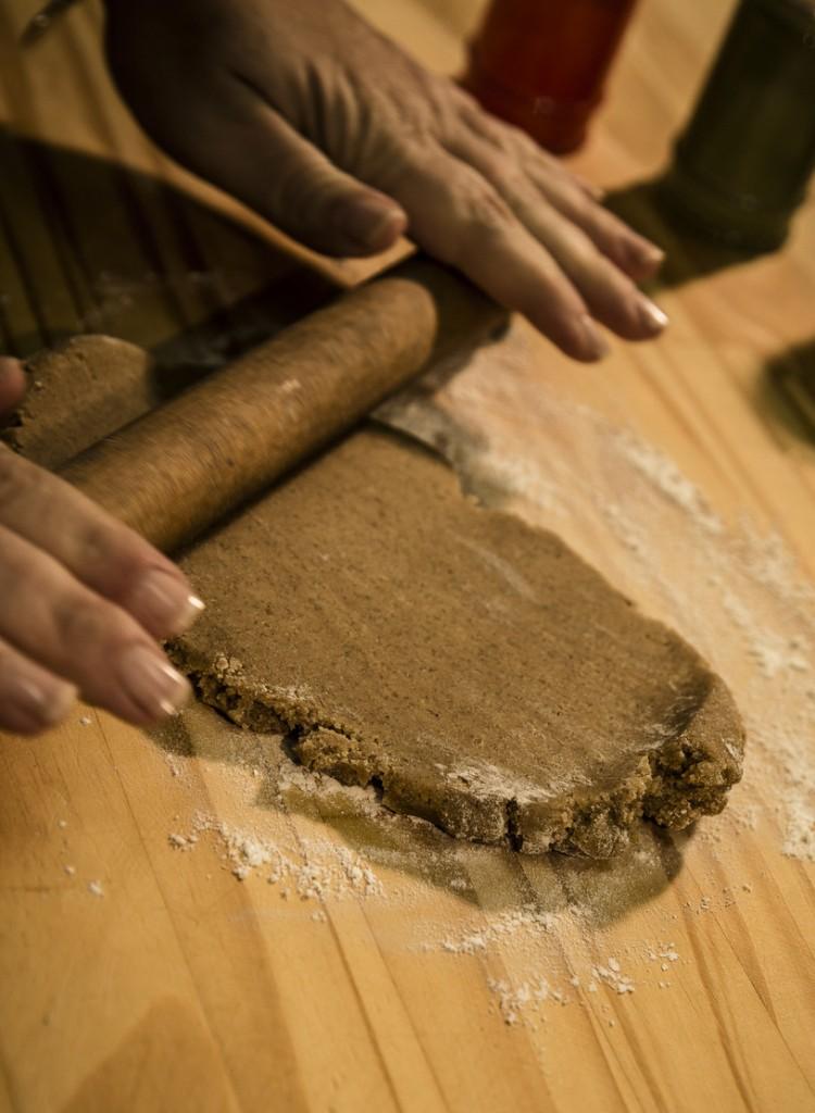 Stendere la Pasta e Ricavare una Sfoglia