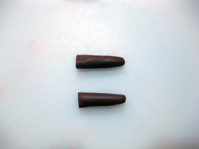 Realizzare Due Cilindri con la Pasta di Zucchero Marrone