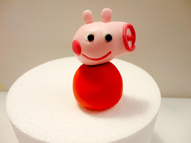 Applicare la Testa di Peppa Pig sul Corpo