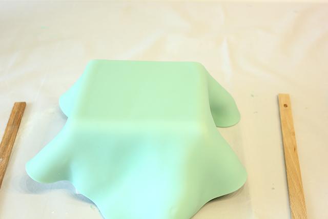 Rivestire la Torta con la Pasta di Zucchero più Chiara