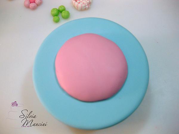 Rivestire la Torta con la Pasta di Zucchero