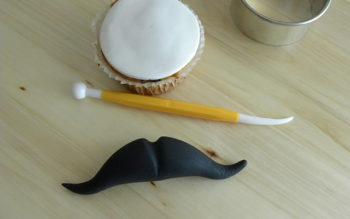 Tutorial Cake Design: Cupcake con Baffi per la Festa del Papà