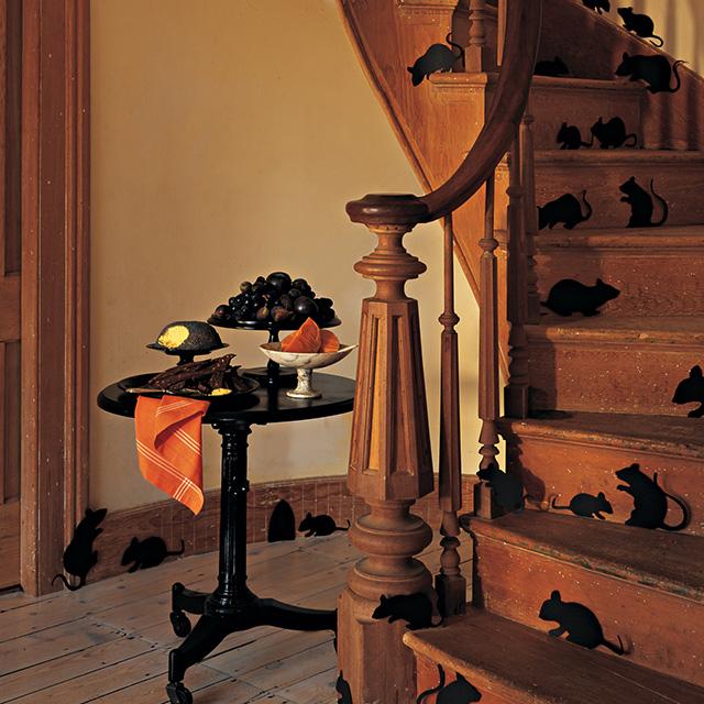 Speciale Halloween 10 Idee per Arredare Casa Topi sulle Scale