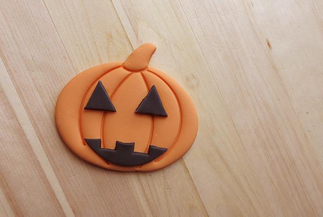 Tutorial Cake Design Cupcakes di Halloween con Zucca in PDZ Completare la Zucca in PDZ