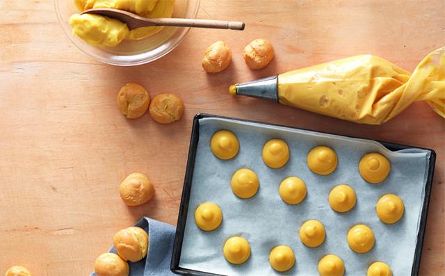 Pasta Choux o Pasta per Bignè-Formare i Bignè con la Sac à Poche