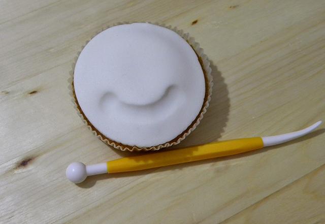 Tutorial di Natale: Cupcake Pupazzo di Neve-Disegnare la Bocca con il Ball Tool