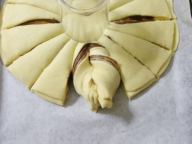 Pan Brioche alla Nutella-Arrotolare il Pan Brioche in Senso Orario