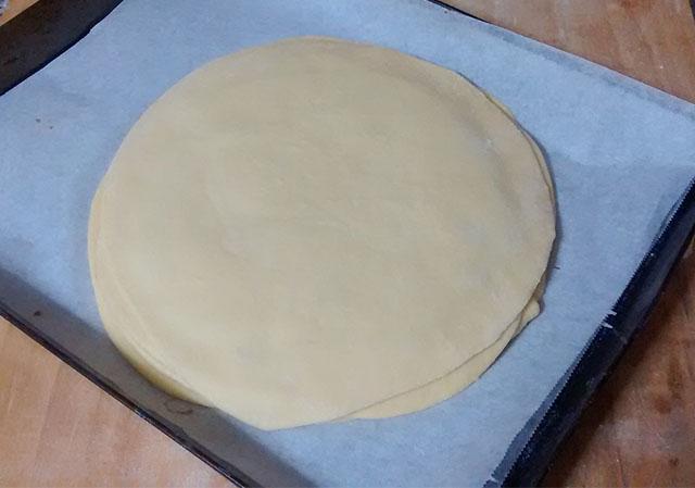 Pan Brioche alla Nutella-Sovrapporre l'Ultimo Strato di Pan Brioche